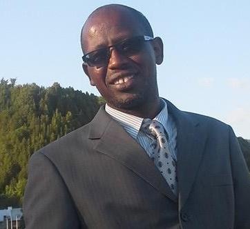 """Philibert Muzima est journaliste et auteur du livre """"Imbibé de leur sang et gravé de leur noms"""" paru aux Éditions Izuba en avril 2016"""
