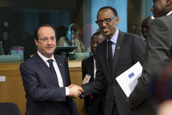 François Hollande na Paul Kagame bahuriye i Buruseli mu nama y'Ubumwe bw'Uburayi n'Afurika mu w'2015