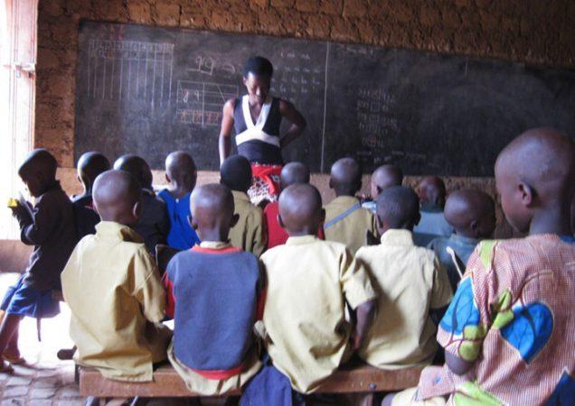 Une classe d'une école primaire dans le district de Muhanga, province du Sud au Rwanda en mars 2014. Photo (c) KigaliToday