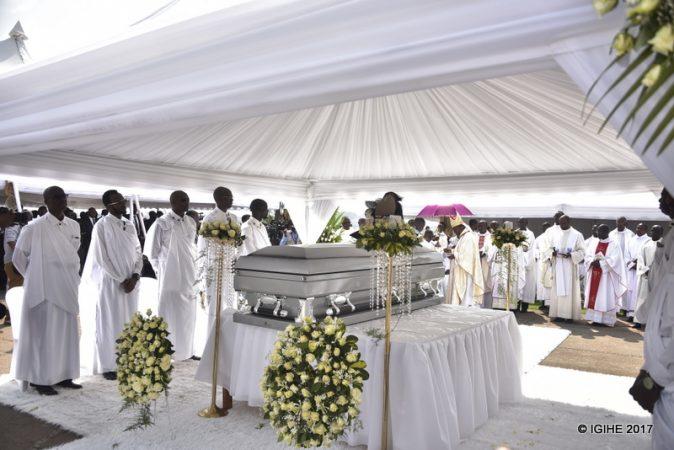 Mu muhango wo gusabira no guherekeza bwa nyuma Kigeli V Ndahindurwa mu Rukari i Nyanza, tariki ya 15/01/2017. Ifoto (c) Igihe