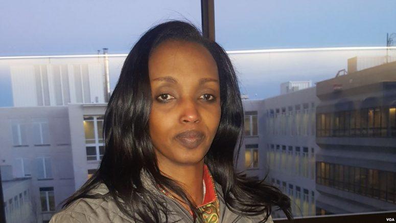 Christine Mukabayojo, Kigeli V Ndahindurwa yari amubereye se wabo