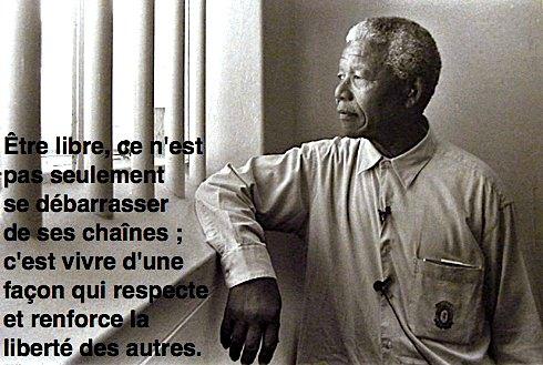 Nelson Mandela en prison de 1962-1990, il devient président de 1994-1999