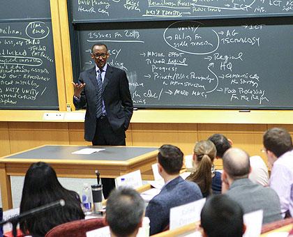 Perezida Kagame mu kiganiro muri Kaminuza ya Havard 10/03/2017. Ifoto (c) newtimes