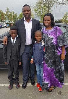 Violette na Faustin Rukundo n'abana babo kuri uyu wa gatatu mu Bwongereza. Ifoto (c) F.R.